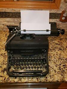 Remington Rand Model 17 Vintage 1940's ? Portable Manual Typewriter, Black