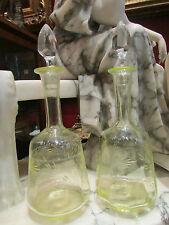 ancienne paire carafes carafons flacons verre citrine jaune gravé fleur 19 eme