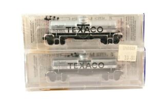 N Scale Micro Trains Twin Pack Texaco Tankers 6853 & 6811 in Plastic Case 2 pack