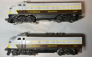 Lionel 2373 Vintage O Canadian Pacific F3 AA Diesel Locomotive Set. Our # X1576