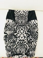 KOOKAI WOMENS SKIRT SHORT DOUBLE LINED STRETCHY PRINTED SZ 2