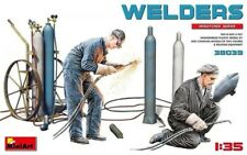 Miniart 38039 1:35th scale Welders (WWII) New for 2020