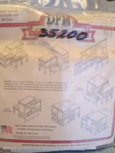 DPM HO #243-35200 Modular Building System(TM) -- Four-in-One #1 - Kit