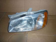 00 01 02 Hyundai Accent Left Drivers Headlight Lamp (Oem)