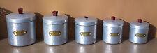 Série 5 boites pots épices anciennes alu épais martelé TOURNUS cuisine vintage