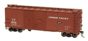 HO Scale - RED CABOOSE 38521-29 LEHIGH VALLEY AAR Double Door Box Car - 1937