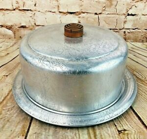 Vintage West Bend Aluminum Cake Saver Plate And Cover With Wooden Acorn Handle