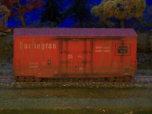 Athearn  CB&Q, Burlington, 40' High cube plug dr boxcar