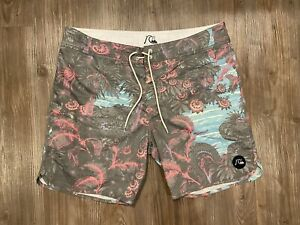 Quiksilver Floral Snake Board Shorts Men's Size 36 Swim Trunks