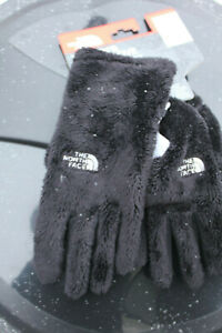 NWT THE NORTH FACE WOMEN'S OSITO GLOVE U|R Powered Fleece E-TIP Dillard's
