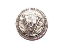 02E17 RARE BROCHE BADGE INSIGNE RASSEMBLEMENT DES MONITEURS DE SKI 2 ALPES 1960