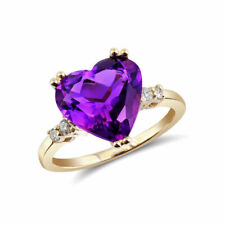 Ring With Amethyst/ Diamonds in 14k Yellow Gold