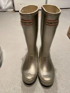 hunter rain boots 2M 3F silver