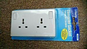 Eterna Socket converter single to twin socket outlet