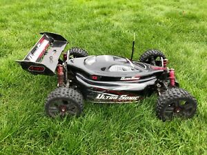 "Conrad Reely Buggy ""Ultrasonic"" Brushless LiPo 4WD RtR 1:8 mit LiPo-Ladegerät"
