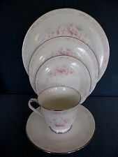 Noritake CARTHAGE 3330  Pink Flowers Gray Leaves 5-pc Place Setting