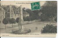 CPA-70 - VESOUL- Le Monument - Place de la République