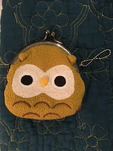 Anthropologie Owl 🦉 Coin Purse with Key Chain, Knit Material