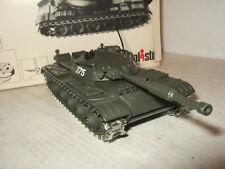 VINTAGE RARE POLISTIL CA101 RUSSIAN T62 tank, DIECAST METAL avec des fonctionnalités.