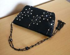 Zwart handtasje schoudertasje met zilverkleurig bloemen stiksel en pailletten
