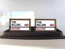 SALFORD CITY REDS STREET SIGN MENS CUFFLINKS GIFT