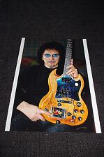 BLACK SABBATH Tony Iommi signed Autogramm auf 20x28 cm Foto InPerson SELTEN