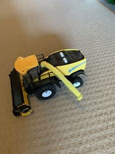 Britains Yellow New Holland CX880 Diecast Combine Harvester