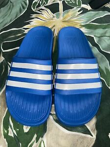 adidas sliders size 4