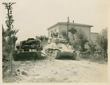 WW II Usa  Photo     --  M 4 - Sherman Tank  Passes Destroyed  Panzer