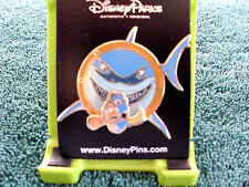 Disney * BRUCE - FINDING NEMO VILLAIN - DORY MARLIN * New on Card Trading Pin