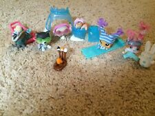 Littlest Pet Shop - winter set (SIX pets and lot of accessories)
