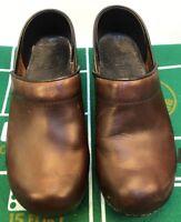 Sanita Women's Shoes Sz 38 EU 7 7.5 US Brown Leather Slip On Clogs Professional