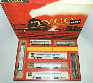 TYCO POSTWAR VINTAGE ATLANTIC COAST PASS HO TRAIN SET & ORIGINAL BOX VERY NICE