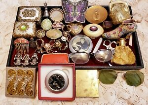 32 Piece Vintage and Modern Mixed Collectibles Lot - Trinket Boxes, Compacts++