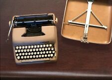 Vintage Smith Corona Silent Super Portable 5T Typewriter W/ Case, Beige. WORKS
