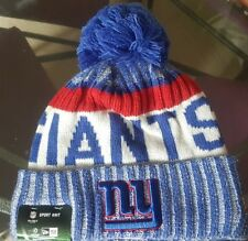 New Era NFL Bobble New York Giants 2017 Sport Knit Sideline Beanie Fitted Hat