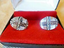 Vintage Jewellery - Oval Diamond Cut Silvertone Metal Men's Cufflinks - Boxed