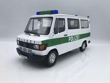 Mercedes Benz T1 208D ( 208 D ) 1988 Bus Polizei - 1:18 KK-Scale  *NEW*