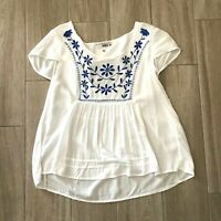 Derek Heart Women's Size M White Blue Embroidered Blouse Top