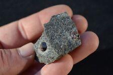 Grenat sur gangue 176,50 carats France minéraux lithothérapie garnet mineral