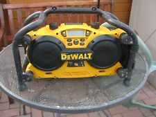 DeWALT RADIO / BATTERY CHARGER AUX iPHONE SAMSUNG ANDROID DC013