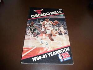 1980 1981 CHICAGO BULLS NBA BASKETBALL YEARBOOK MEDIA GUIDE REGGIE THEUS EX-MINT