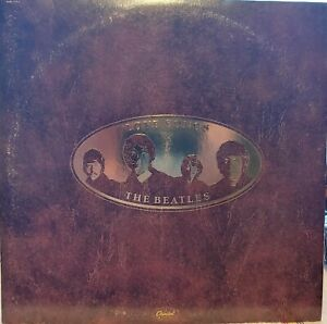 "Vinyl LP The Beatles, ""Love Songs"", Capitol records, 2 record set, Used"