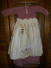 Primitive Wall Decor Dress BURGUNDY CHECK W/ APRON Holly Leaves,Christmas,Grungy