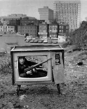 BOY HIDING IN A TV SET BOSTON 1972 8X10 PHOTO PRINT 28012003983