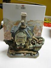 "David Winter Cottages, ""Jolly Roger Tavern"", Seaside Boardwalk Coll. in Box."