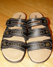 NEW CLARKS LEISA LAKIA LEATHER SLIDES SANDALS SZ 9 1/2 Wide GENUINE LEATHER