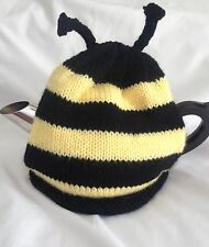 *HANDKNITTED* TEA COSY