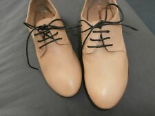 Costume National women's size 37 cream laced shoes