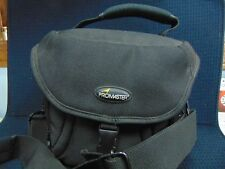 MINOLTA DIMAGE Z3 4MP CAMERA WITH CORDS AND BAG IN WORKING CONDITION